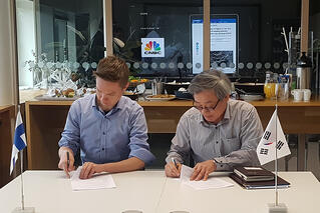 ICEYE APSI MOU signatures 2019