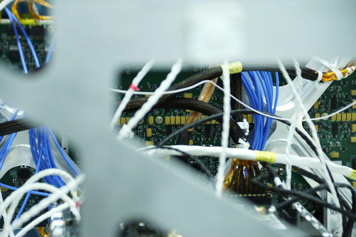 ICEYE hardware & cabling